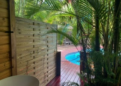 Double terrasse sur piscine en position ouverte